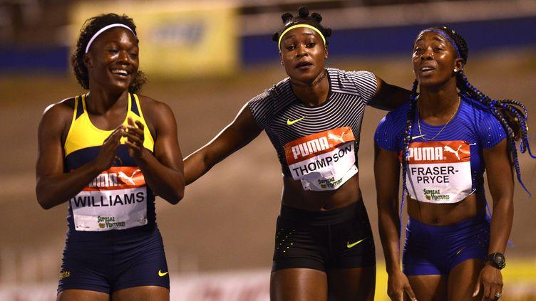"""Elaine Thompson a dominé la double championne olympique en titre du 100m, Shelly-Ann Fraser-Pryce, lors des """"trials"""" (RICARDO MAKYN / AFP)"""