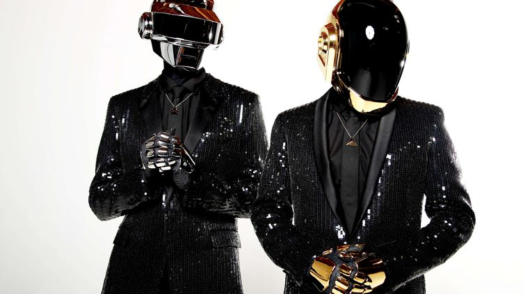 Thomas Bangalter et Guy Manuel de Homem Christo, alias Daft Punk, à Los Angeles le 17 avril 2013. (MATT SAYLES/ AP / SIPA)