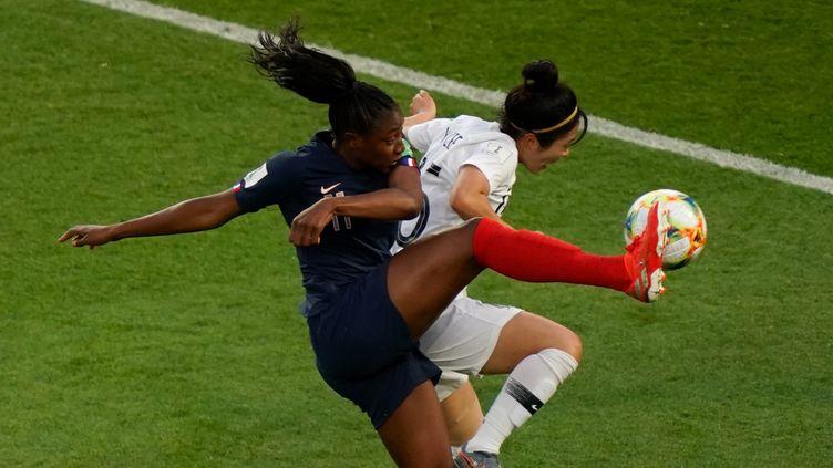 La joueuse française Kadidiatou Dianilors du match d'ouverture de la Coupe du monde au Parc des princes le 7 juin 2019 à Paris. (KENZO TRIBOUILLARD / AFP)
