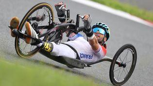 Florian Jouanny sur le contre-la-montre sur route H2 des Jeux paralympiques de Tokyo, mardi 31 août. (G. Picout / France Paralympique)