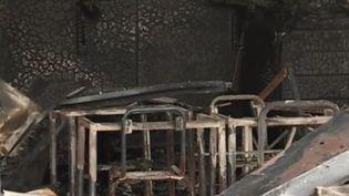 Une école et plusieurs salles de classe ont été incendiées dans le quartier de La Dévèze, à Béziers (Hérault), dans la nuit du jeudi 31 octobre au vendredi 1er novembre. (FRANCE 2)