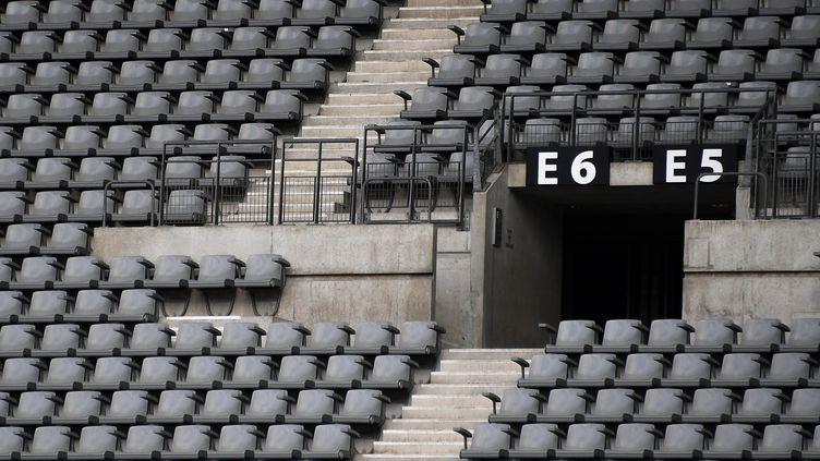 Des gradins vides du Stade de France, à Saint-Denis (Seine-Saint-Denis), le 30 mai 2020. (FRANCK FIFE / AFP)