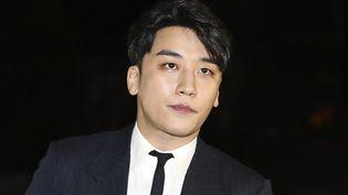 """Seungri, surnommé """"Seungsby le magnifique"""" en référence à Gatsby  (YONHAP / AFP)"""