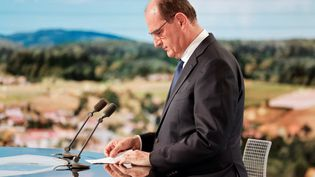Jean Castex, le Premier ministre, sur le plateau du journal de 13 heures de TF1, le 21 juillet 2021. (LUDOVIC MARIN / AFP)