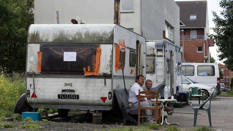 Un camp de Roms à Hellemmes, dans la banlieue de Lille (Nord) le 3 août 2012, quelques jours avant son démantèlement. (BERNARD BISSON / JDD / SIPA)