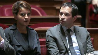 Najat Vallaud-Belkacem et Benoît Hamon lors d'une session des questions au gouvernement, au Sénat, à Paris, le 19 septembre 2013. (JACQUES DEMARTHON / AFP)