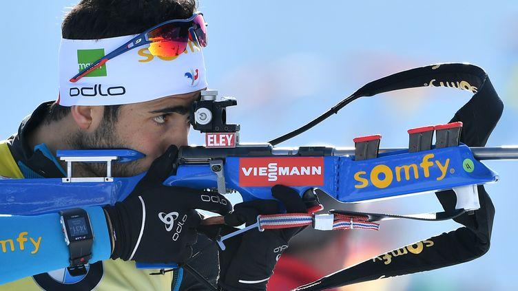 Martin Fourcade au tir sur le biathlon (MARTIN SCHUTT / DPA)