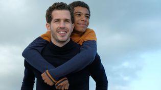 """Victor Belmondo ( à gauche) et Yoann Eloundou ( à droite) dans le film """"Envole-moi"""" de Christophe Barratier. (JULIEN PANIÉ)"""