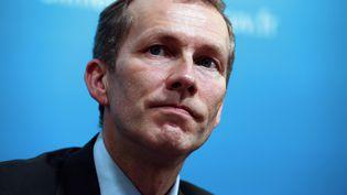 Le ministre délégué à l'Agroalimentaire, Guillaume Garot, le 21 février 2013 lors d'une conférence de presse au ministère de l'Agriculture, à Paris. (THOMAS SAMSON / AFP)