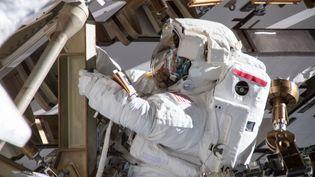 L'astronauteAnne McClain, le 22 mars 2019, lors d'une sortie dans l'espace. (NASA / AFP)
