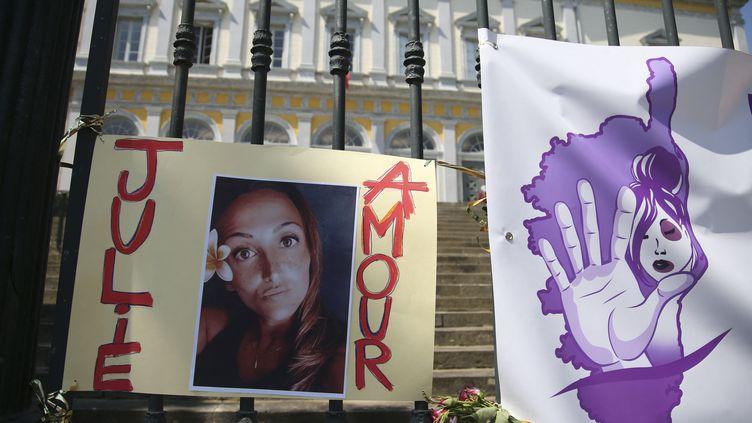 Un portrait de Julie Douib, devant le tribunal de Bastia (Haute-Corse) le 10 juin 2021. (PASCAL POCHARD-CASABIANCA / AFP)