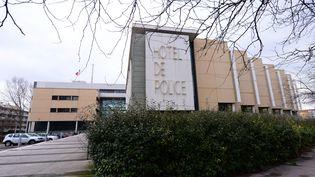 L'hôtel de police de Montpellier (Hérault), le 11 février 2017, où ont été placées en garde à vue quatre personnes suspectées de commettre un attentat. (PASCAL GUYOT / AFP)