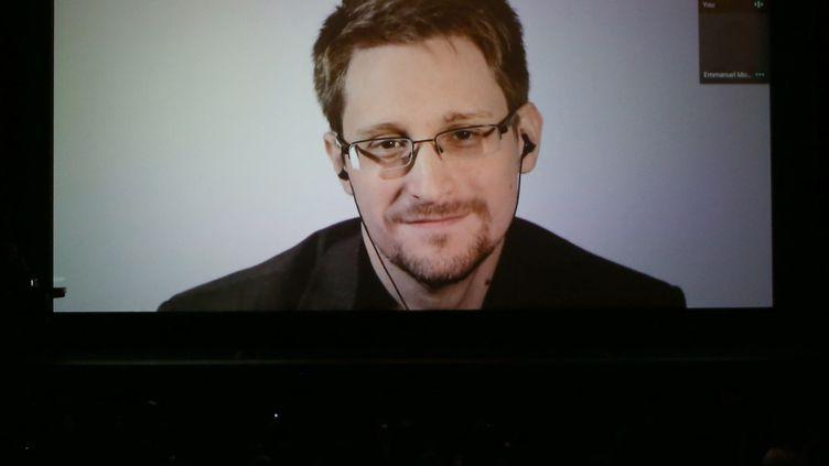 Edward Snowden lors d'une visioconférenceen octobre 2018 à San Francisco (Etats-Unis). (PHILLIP FARAONE / GETTY IMAGES NORTH AMERICA)