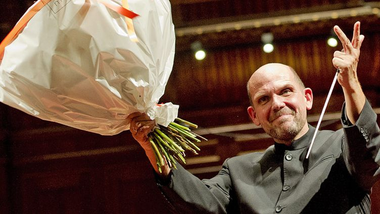Jaap Van Zweden lors d'un concert d'adieu avec le Radio Filharmonisch Orquesta, à Amsterdam, le 12 novembre 2011  (Robin Utrecht / EPA / MaxPPP)