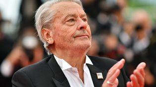 L'acteur français Alain Delon avant de recevoir sa Palme d'or d'honneur, à Cannes, le 19 mai 2019. (ALBERTO PIZZOLI / AFP)