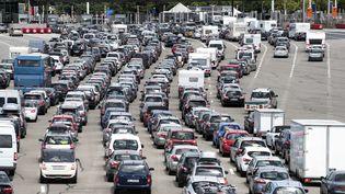 Aux abords d'un péage sur l'autoroute A7 près de Lyon (Rhône), le 25 juillet 2015. (ROMAIN LAFABREGUE / AFP)