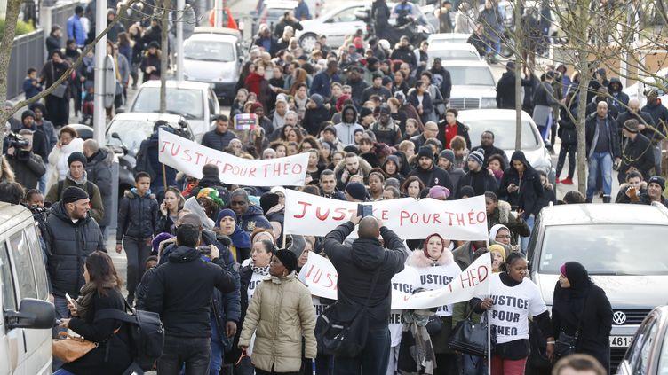 Une manifestation de soutien à Théo, le 6 février, à Aulnay-sous-Bois. (FRANCOIS GUILLOT / AFP)