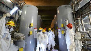Les systèmes de refroidissement du réacteur numéro 4 de la centrale japonaise de Fukushima, le 7 mars 2013. (MASNARI GENKO / YOMIURI / AFP)