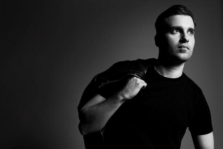Adam Andrascik, le nouveau directeur artistique de la maison Guy Laroche  (Louis Teran)