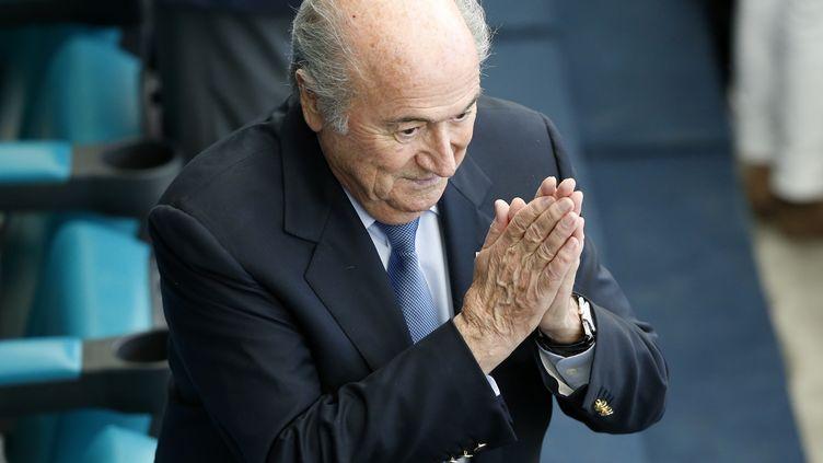Le président de la Fifa, Sepp Blatter, lors du match Allemagne-Portugal du Mondial brésilien, à Salvador de Bahia, le 16 juin 2014. (FABRIZIO BENSCH / REUTERS)