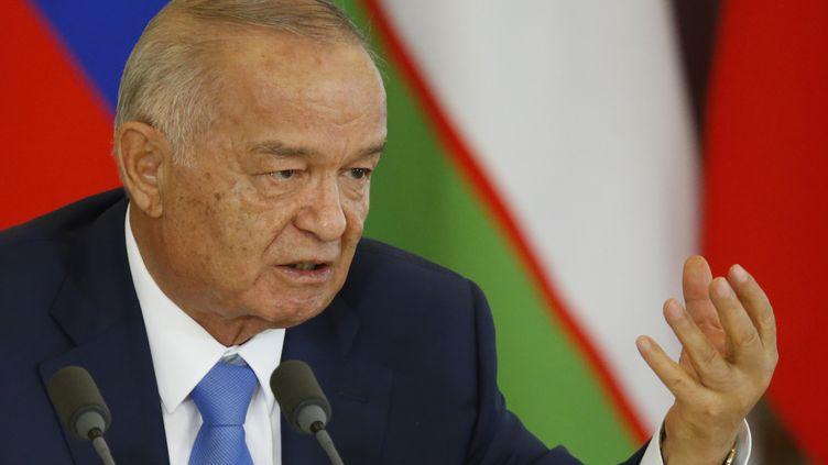Le président Islam Karimov participe à une conférence de presse avec son homologue russe, Vladimir Poutine, après leur rencontre à Moscou, le 26 avril 2016. (MAXIM SHEMETOV / POOL)