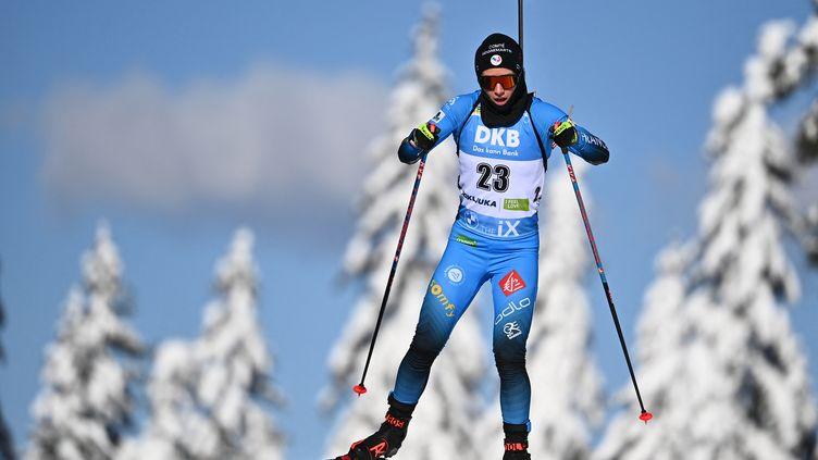 Anaïs Chevalier-Bouchet sur le sprint des Championnats du monde, samedi 14 février 2021. (JOE KLAMAR / AFP)