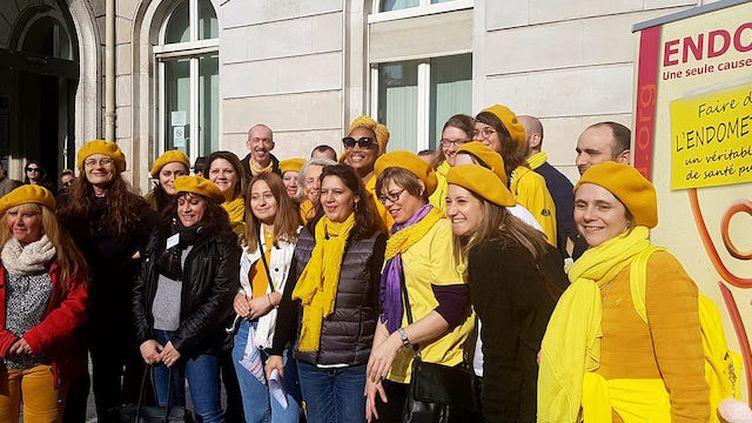 Les bénévoles d'ENDOmind et Imany mobilisés pour la marche contre l'endométriose. ©Association ENDOmind sur Facebook