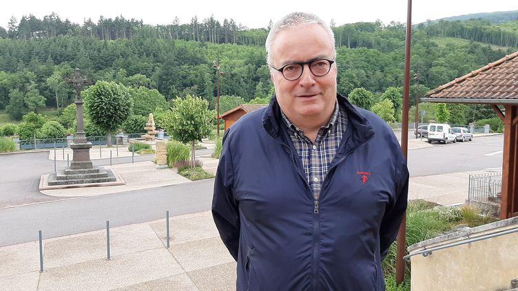 Pierre Devedeux, maire de Saint-Alban-les-Eaux. (SEBASTIEN BAER / RADIO FRANCE)