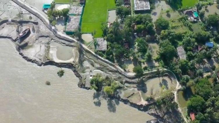Des scientifiques du Giec se réunissent à partir de vendredi 20 septembre à Monaco et dévoileront un rapport attendu qui pointe les conséquences de la montée des eaux. Avec une hausse de la température de 2 degrés, 280 millions de personnes seront déplacées. (CAPTURE ECRAN FRANCE 2)