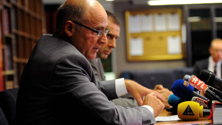 Brice Robin, procureur de la République de Marseille, lors d'une conférence de presse sur le trafic présumé de bébés roms, le 30 août 2013. (MAXPPP)