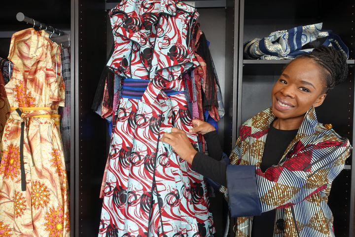 Adama Togola, la créatrice de la marque Mansaya, le 13 mai 2019 dans sa boutique parisienne (CORINNE JEAMMET)