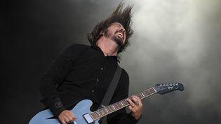 Dave Grohl des Foo Fighters sur scène en juin 2011.  (PAUL BERGEN / ANP / AFP)