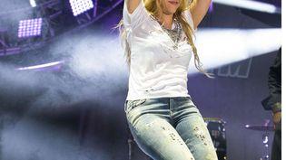La chanteuse colombienne Shakira lors d'un concert à Carson, en Californie (Etats-Unis), le 10 mai 2014. (PAUL A. HEBERT / AP / SIPA)