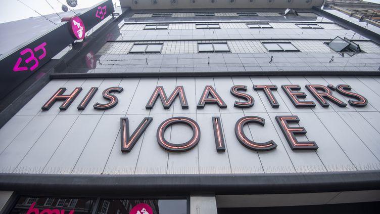 Façade du grand magasin HMV d'Oxford Street à Londres, maintenant fermé. (NIKLAS HALLE'N / AFP)