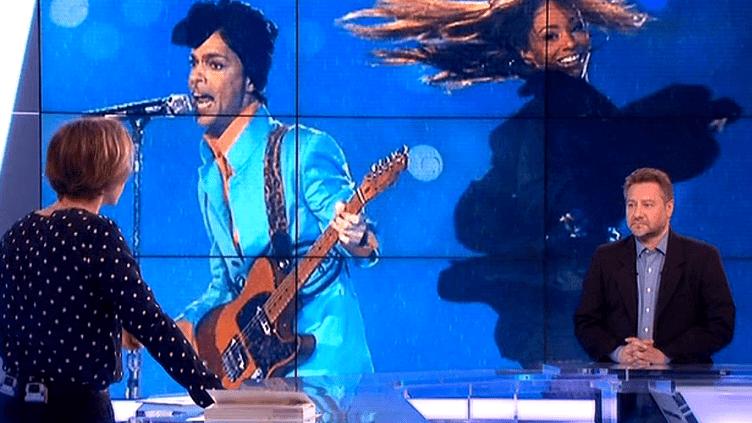 Denis Soula analyse la carrière de Prince sur le plateau du Grand Soir 3  (France 3 / Culturebox)