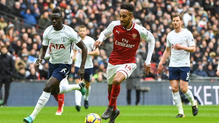 Aubameyang et Arsenal vont affronter Sanchez et Tottenham (STEPHEN WRIGHT / PRO SPORTS IMAGES LTD)
