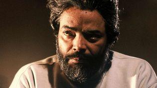 """L'acteur Med Hondo en 1990 sur le tournage de """"Commissaire Moulin""""  (RUTMAN/TF1/SIPA)"""