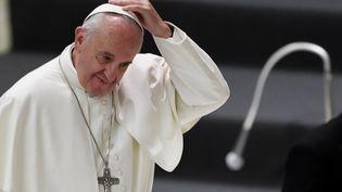 Le pape François pris en photo le 9 décembre 2016 au Vatican. (TIZIANA FABI / AFP)