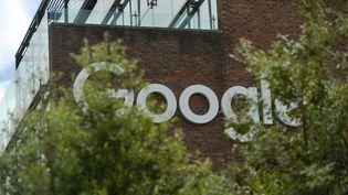 Une vue de l'immeuble de Google à Dublin, le 10 juin 2021. (ARTUR WIDAK / NURPHOTO / AFP)