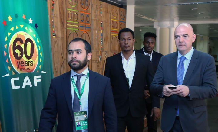 Le président Gianni Infantino (à droite) était présent à Addis-Abeba, capitale de l'Ethiopie, pour assister à l'élection du nouveau président de la CAF.