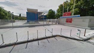 L'adolescent a été poignardé devant le lycée Poinso-Chapuis, dans le 8e arrondissement de Marseille, jeudi 1er décembre. (GOOGLE MAPS)