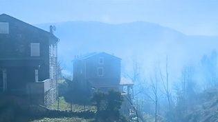 De violents incendies ont déjà brûlé plus de 1 200 hectares en Corse dans la nuit du samedi 23 février. (FRANCE 3)