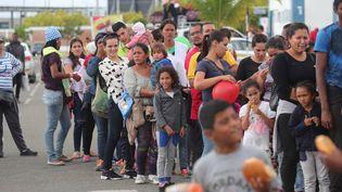 Des dizaines de milliers deVénézuéliensont fui vers les pays voisins, comme ici vers le Pérou. (ERNESTO ARIAS / EFE)