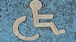 L'Etat respecte-t-il ses engagements en matière d'emploi des handicapés ? (MAY / BSIP / AFP)