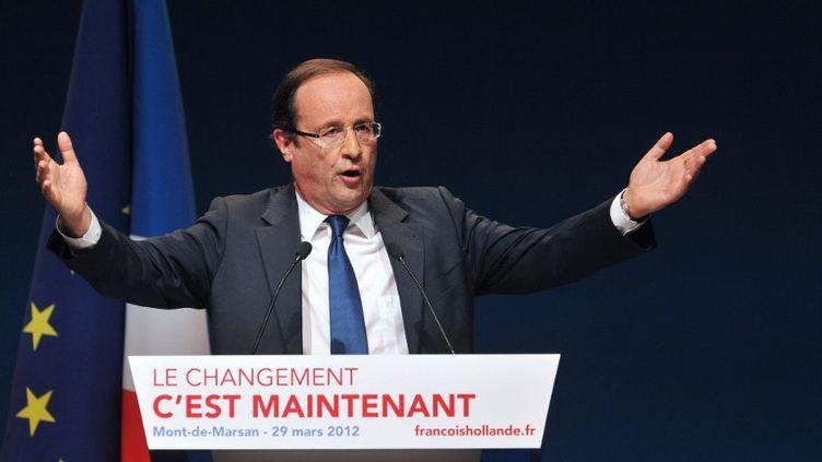 François Hollande lors d'un meeting à Mont-de-Marsan (Landes) le 29 mars 2012. (PIERRE ANDRIEU / AFP)