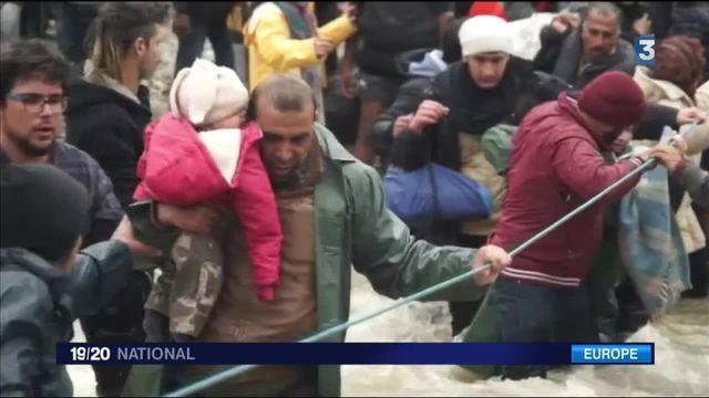Migrants : la marche d'un millier de réfugiés pour passer en Macédoine