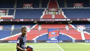 Le Brésilien Neymar au Parc des Princes, vendredi 4 août 2017. (PHILIPPE LOPEZ / AFP)