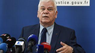 Le procureur général de la République de Dijon, Jean-Jacques Bosc, donne une conférence de presse à propos de l'affaire Grégory, le 16 juin 2017, à Dijon. (PHILIPPE DESMAZES / AFP)