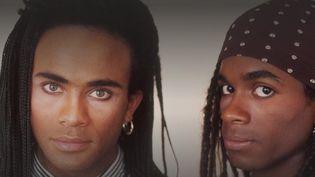 Le 12/13 de France 3 revient sur le scandale du groupe Mini Vanilli dans les années 80. Les deux stars du groupe n'ont jamais enregistré le titre qui a fait leur succès. (France 3)