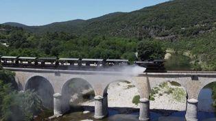Tourisme : dans le train à vapeur des Cévennes (FRANCE 2)